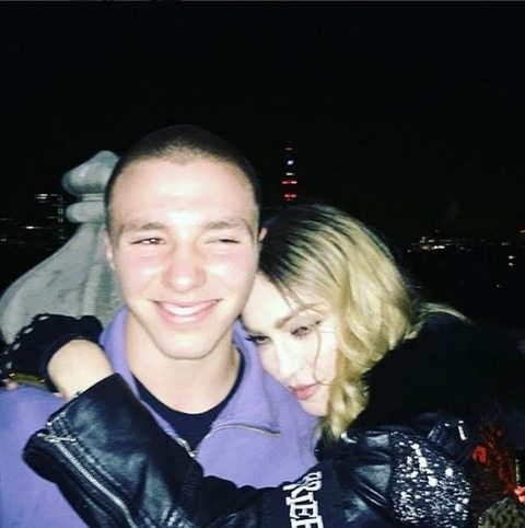 Il figlio di Madonna arrestato per droga: la polizia allertata dai vicini di casa