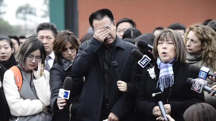 """""""L'Italia era il sogno della mia bambina"""": racconta in lacrime il padre della studentessa cinese morta, spunta una pagina su facebook dedicata a Zhang Yao"""