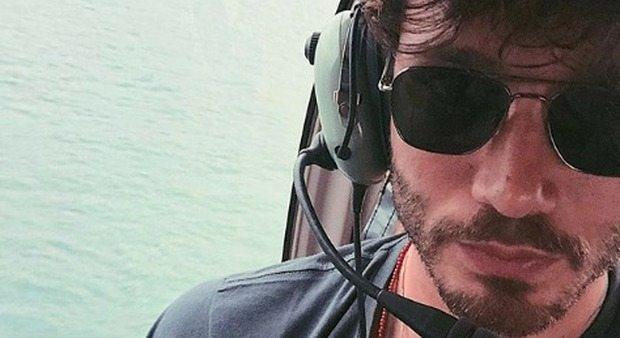 Isola, Stefano De Martino e la prima foto in elicottero dall'Honduras: boom di like