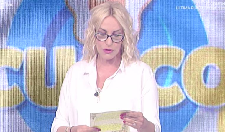 Antonella Clerici in lacrime alla Prova del Cuoco: colpo di scena dopo la lettera della concorrente
