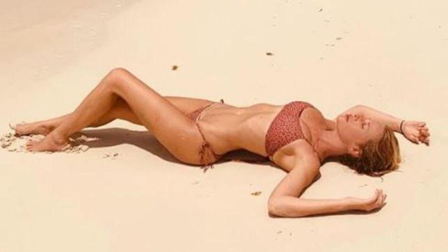 Dalla Marcuzzi alla d?Urso, ecco i bikini di fine estate delle conduttrici Mediaset