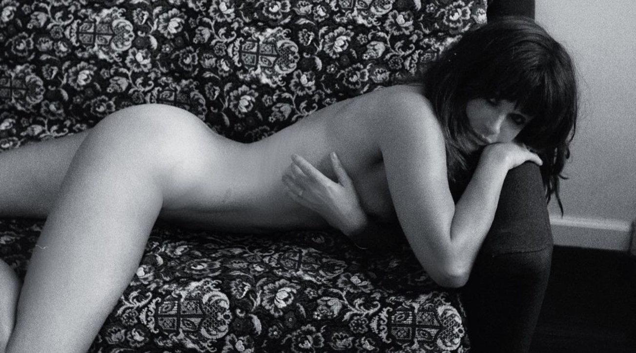 Helena Christensen completamente nuda è da censura