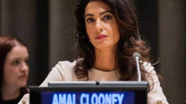 Amal Clooney in campo contro Isis