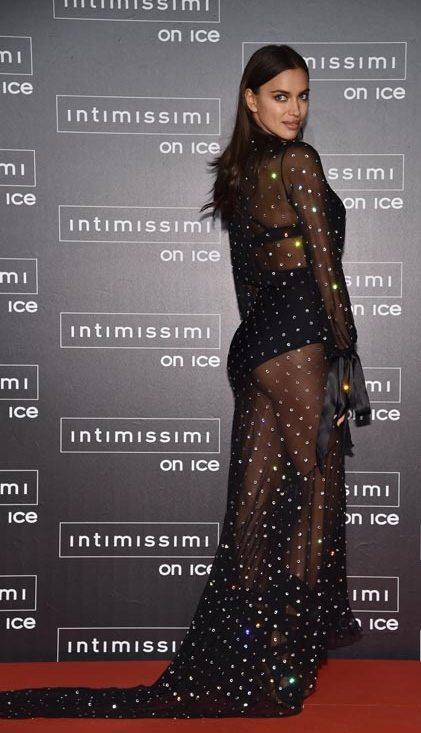 Irina Shayk luccica per Intimissimi on Ice