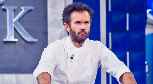 """Carlo Cracco chef in tv: """"Faccio un po' il figo e un po' il burbero. Altrimenti non sopravvivi"""""""