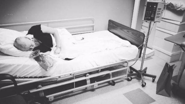 Shannen Doherty, la foto shock in ospedale