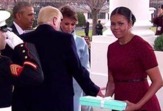 Cosa ha regalato Melania Trump a Michelle Obama? Ecco cosa c'era nella scatola Tiffany