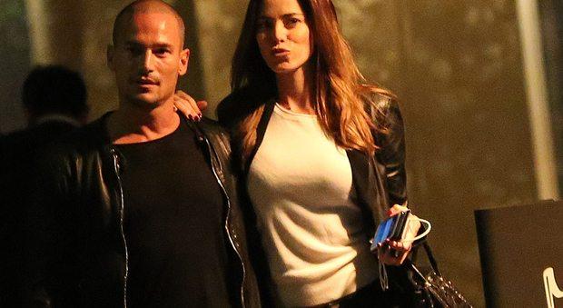 Aida Yespica innamorata, ritorno in Italia col fidanzato Enrico Romeo