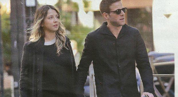 Myriam Catania incinta, passeggiata col fidanzato Quentin Kammermann