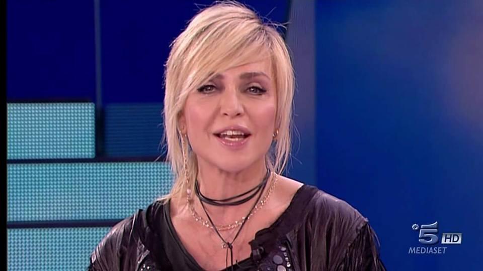 Paola Barale, la verità sul corteggiatore misterioso: ecco chi è