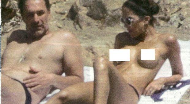 Raoul Bova e Rocio Morales vacanze hot: topless a Ibiza