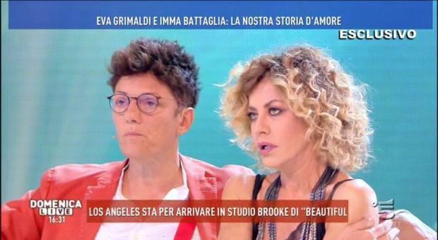 """Eva Grimaldi e Imma Battaglia in lacrime da Barbara D'Urso: """"Quella telefonata..."""""""