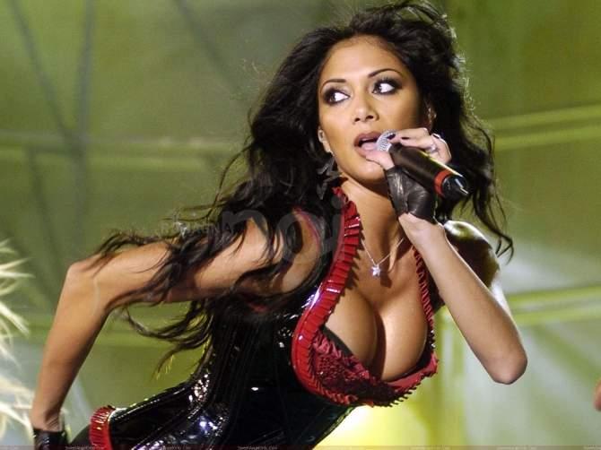 Nicole Scherzinger, la sexy ex Pussycat Dolls balla...