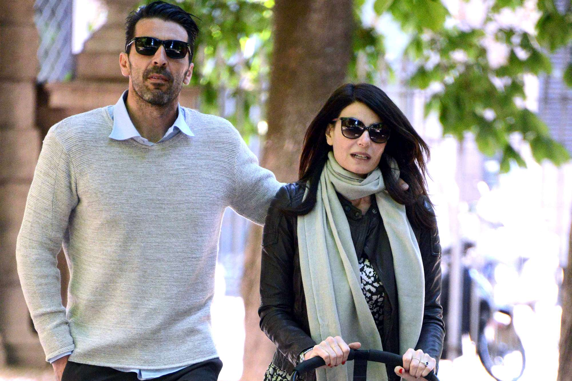 Gigi Buffon e Ilaria D'Amico, colazione romantica accompagnati da Leopoldo Mattia