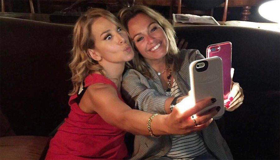 Polemiche per il selfie della D'Urso con Sonia Bruganelli: cosa ne pensa Bonolis?