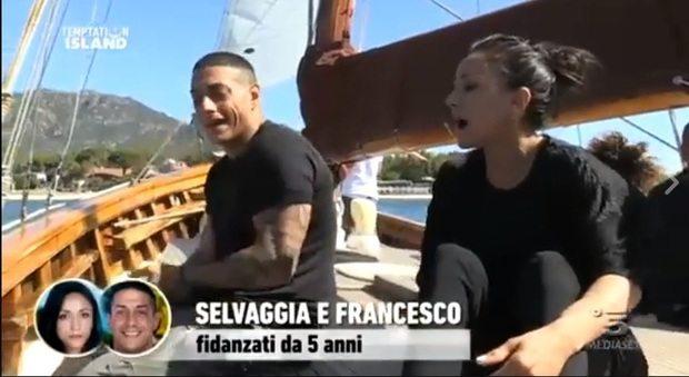 Temptation Island: Selvaggia e Francesco litigano ancor prima di iniziare. Sono già i preferiti sui social