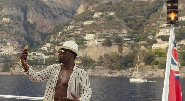 Puff Daddy, il super yacht del rapper in vacanza nel Golfo di Napoli