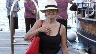 Barbara d?Urso, pose piccanti a Ischia