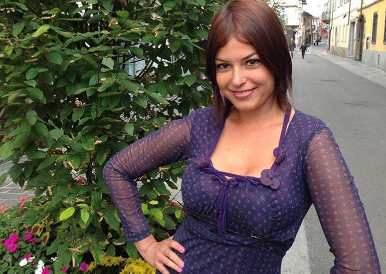 Sara Tommasi ha un nuovo amore: in vacanza con un uomo d'affari