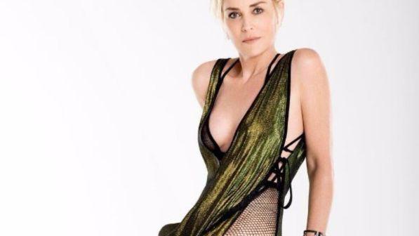 Sharon Stone provoca ancora: seminuda su Instagram fa impazzire i fan
