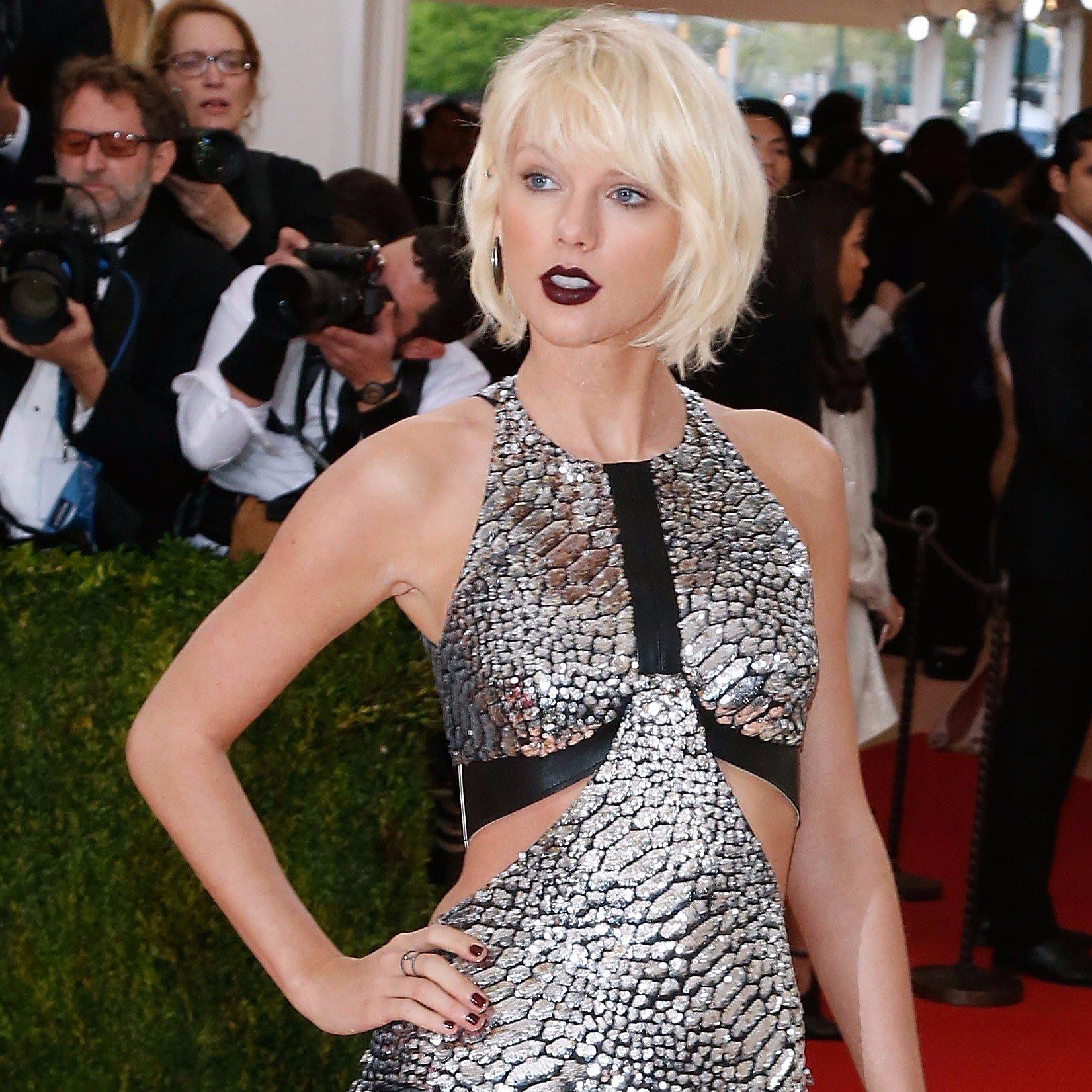 Taylor Swift contro il dj che le ha palpato il sedere: