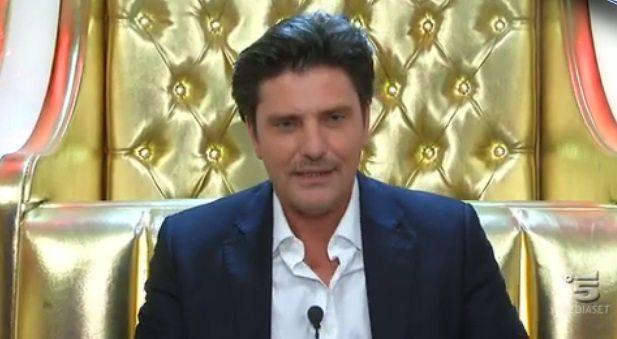Grande Fratello VIP, Colpo di scena Lorenzo Flaherty perde al televoto poi rientra
