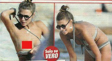 Cristina Chiabotto, fuori di seno in vacanza con le amiche a Formentera