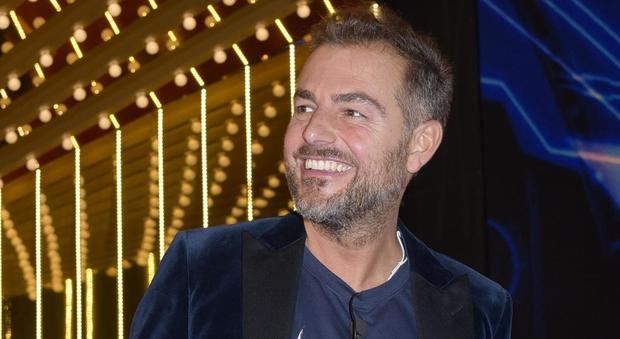 """""""Ecco cosa faceva Luca Onestini nel bagno..."""", le indiscrezioni di Daniele Bossari"""