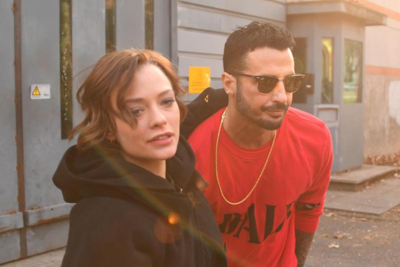 Fabrizio Corona esce dal carcere e Silvia lo accoglie a braccia aperte