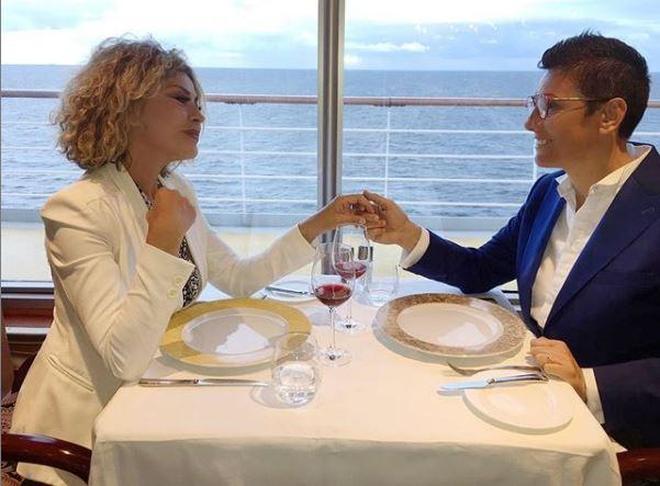 Eva Grimaldi e Imma Battaglia, le foto del viaggio di nozze nei Mari del Nord
