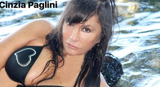 Cinzia Paglini, la cantante scomparsa ritrovata in ospedale: «Il mio stalker ai domiciliari, se torna libero mi farà del male»