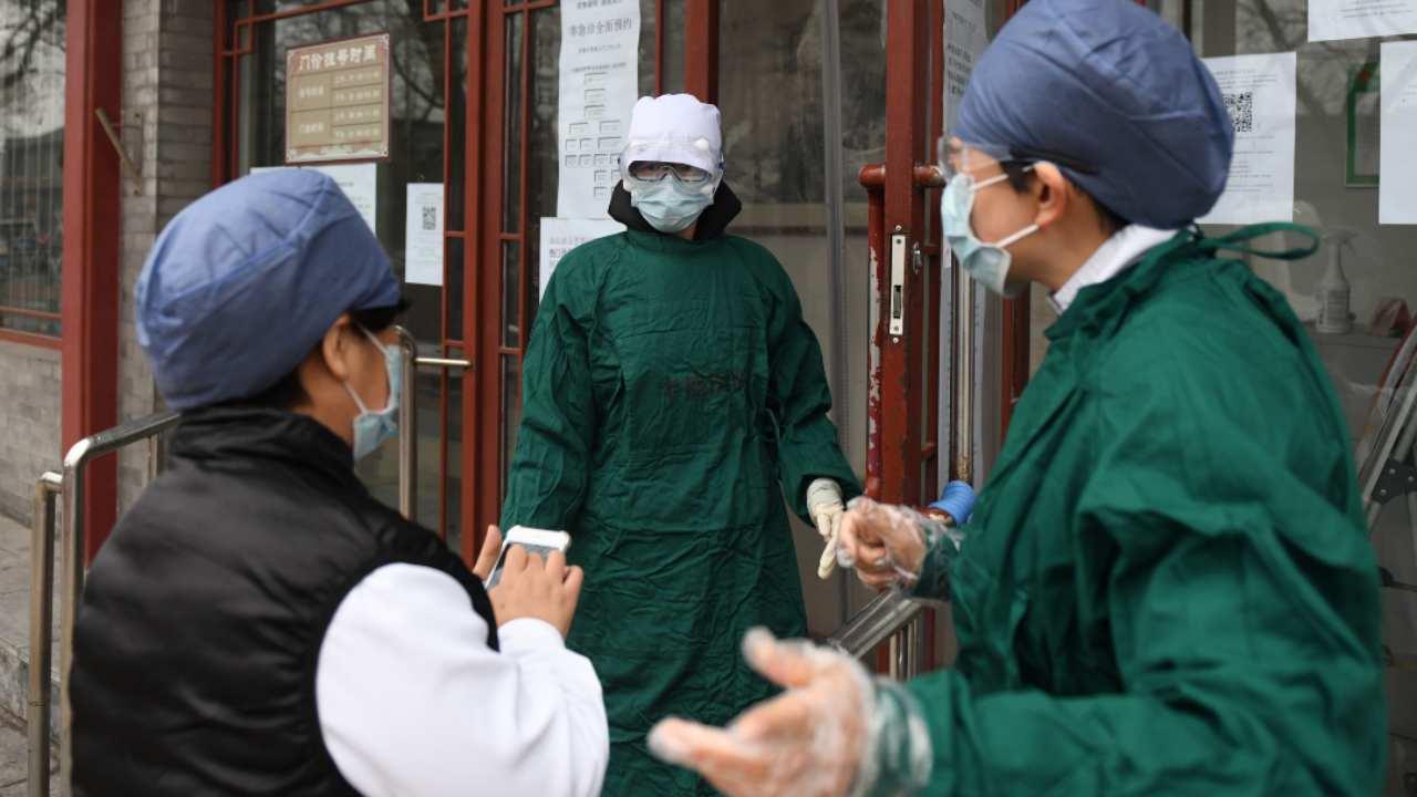 Coronavirus, medici di Lodi nel caos: «Bombardati di telefonate, ma non abbiamo le mascherine»