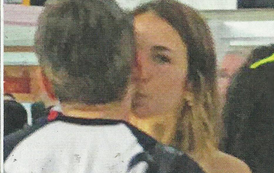 Max Biaggi innamorato: all'aeroporto con la nuova fidanzata Michelle Carpente