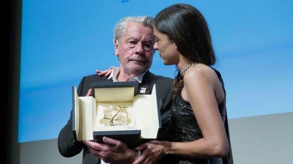 Cannes, le lacrime di Alain Delon per la Palma d?oro: