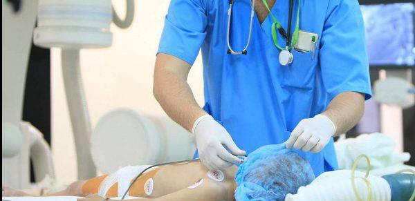 Nuoro, bimbo di 2 anni figlio di vegani ricoverato in ospedale per denutrizione: è grave. «È magrissimo»