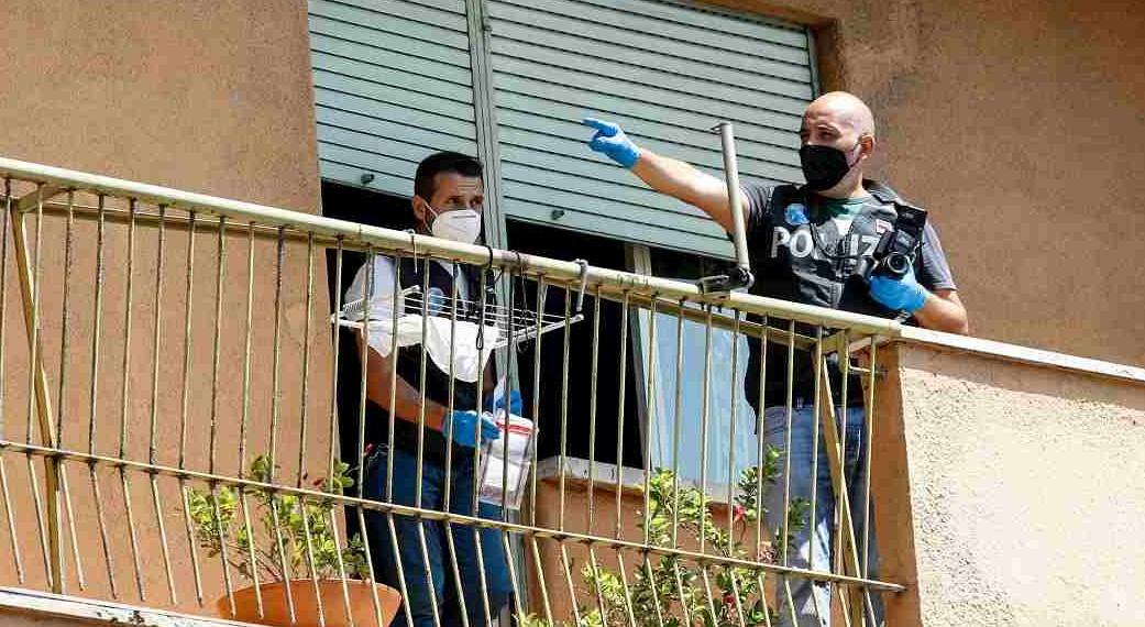 Roma, nonno spara al nipotino di 7 anni: dichiarata la morte cerebrale. «Colpo partito per sbaglio». Mamma disperata