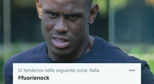 Gf Vip, «Fuori Enock»: i social chiedono l'espulsione del fratello di Balotelli dopo la frase choc contro Guenda