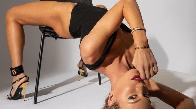 Taylor Mega contorsionista bollente, fa girare la testa ai follower