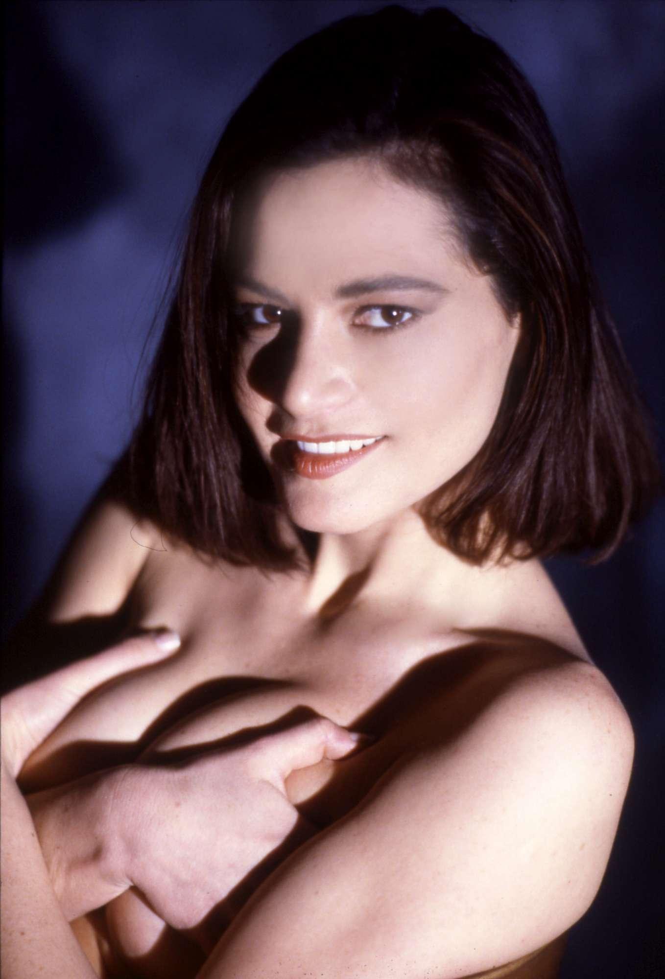 Simona Ventura in top.less a 20 anni.