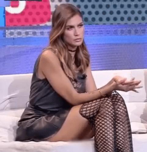 Melissa Satta senza mvtandine in diretta tv.