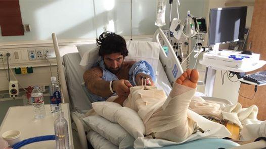 Walter finisce in ospedale: la foto su Facebook preoccupa i fan