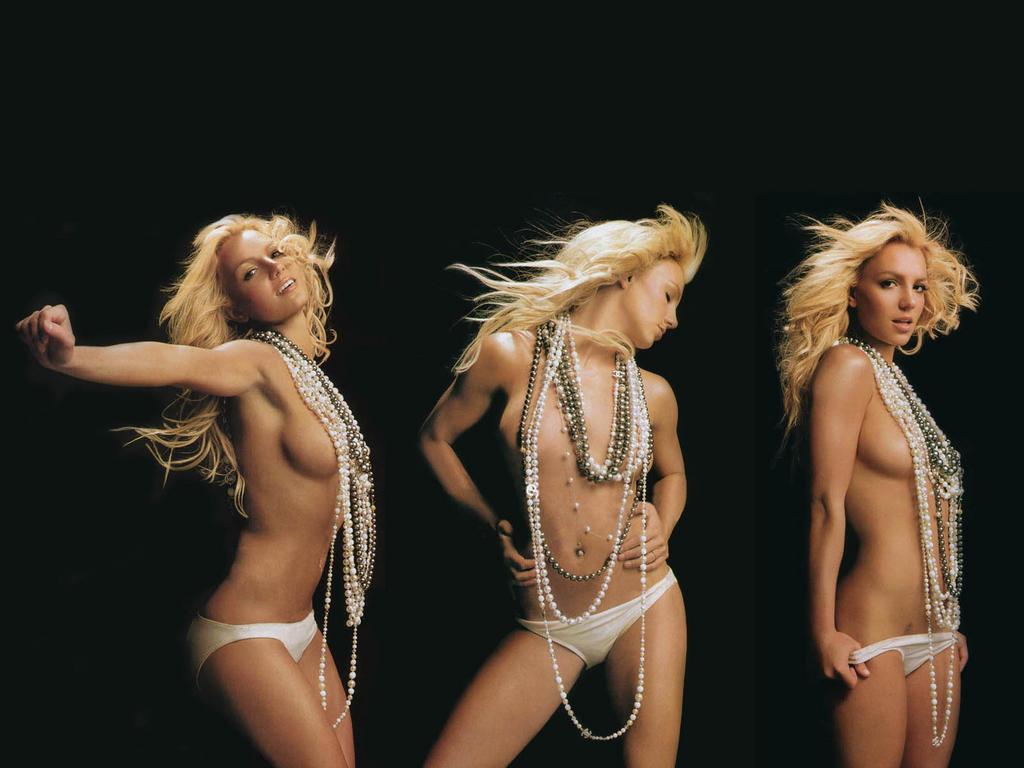 Britney Spears, mamma 35enne in formissima con lo yoga super se. xy