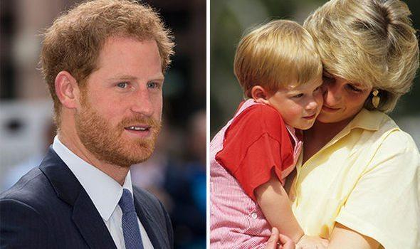 """Principe Harry choc: """"Sono andato in terapia dopo la morte di Lady D"""""""