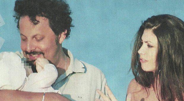 Enrico Brignano e Flora Canto genitori, prima estate  con la piccola Martina