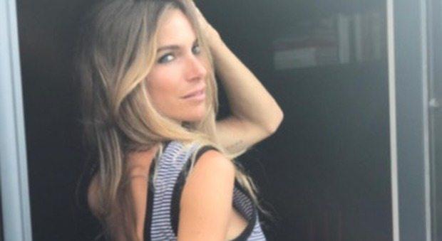 """Eleonora Pedron e le foto sexy. """"Mentre Biaggi sta in rianimazione"""""""