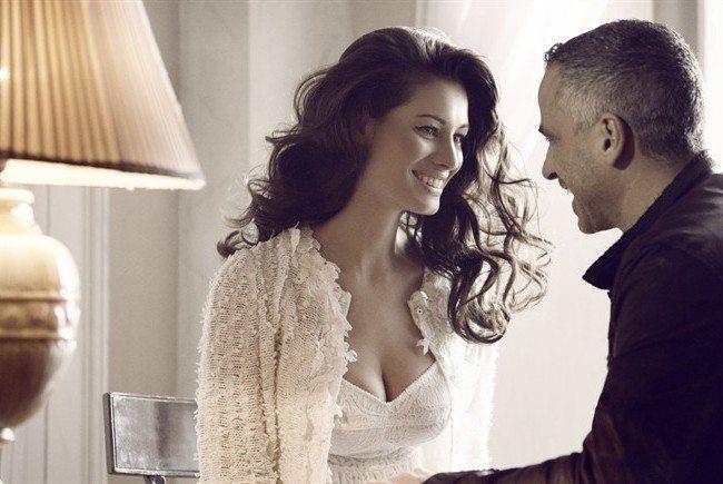Eros Ramazzotti, dedica d'amore alla moglie... ma un particolare non sfugge al pubblico