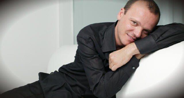 Gigi D'Alessio picchiò i paparazzi: chiesti tre anni per il cantante