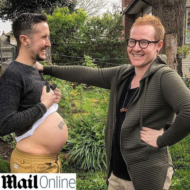 """Trans incinta del fidanzato gay: """"Non vediamo l'ora di stringere nostro figlio"""""""
