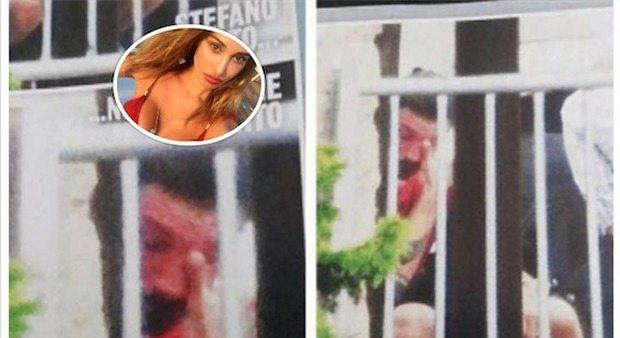 """Stefano De Martino in lacrime sul balcone di casa a Ibiza: """"Piange per Belen"""""""
