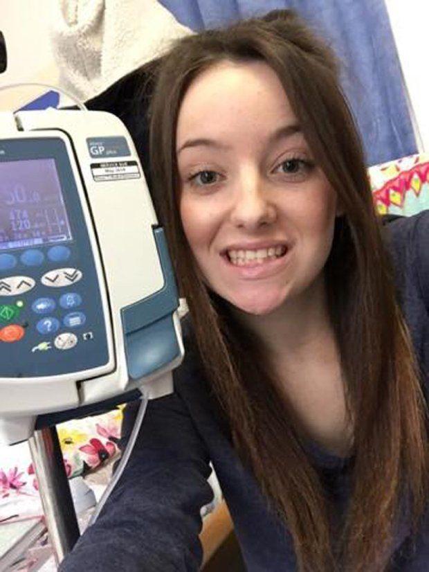 """""""Sono un dinosauro"""": adolescente ricoverata con una malattia rara"""
